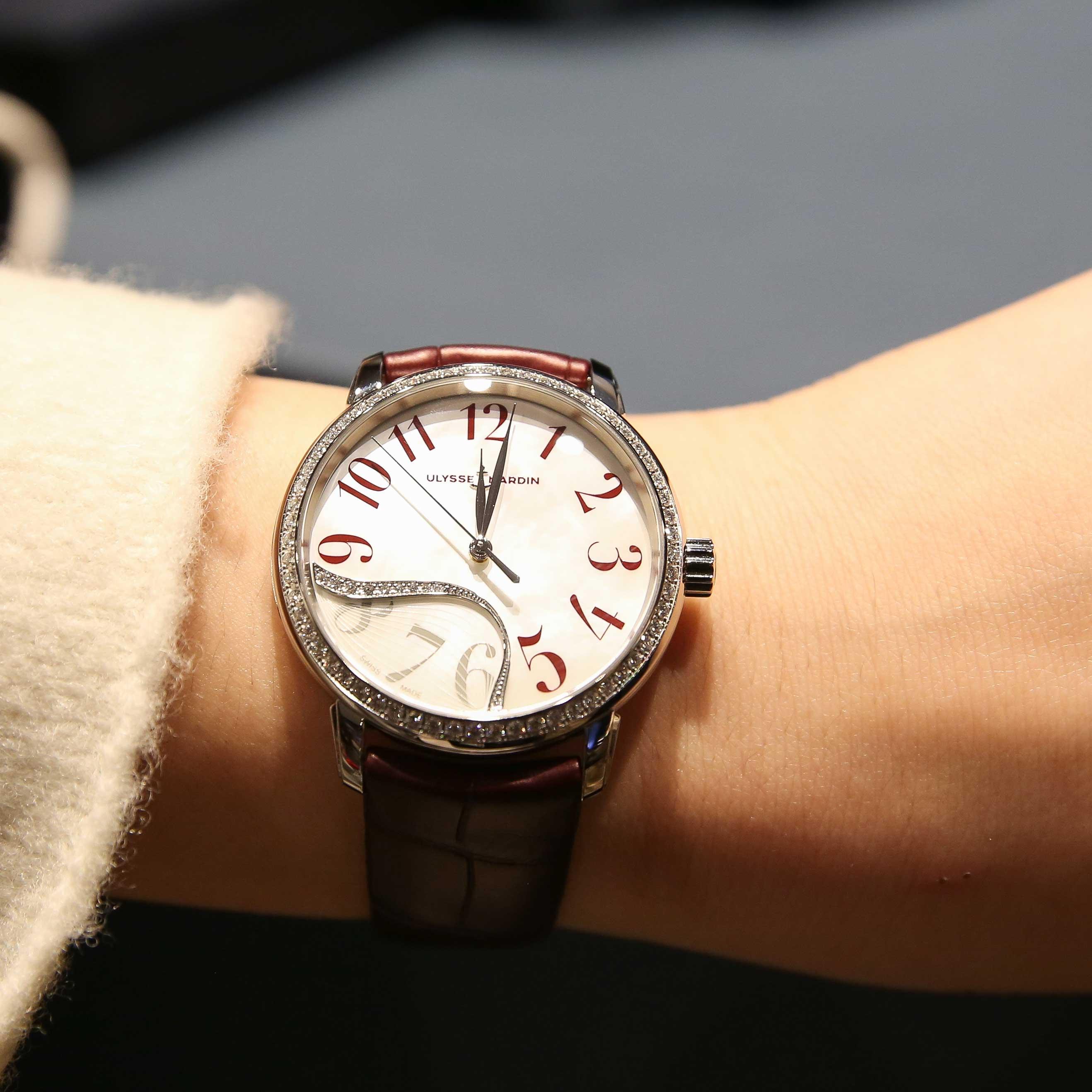 雅典 鎏金玉玲珑女款腕表