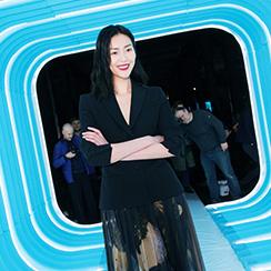 刘雯亮相MOSCHINO 2018秋冬女装秀