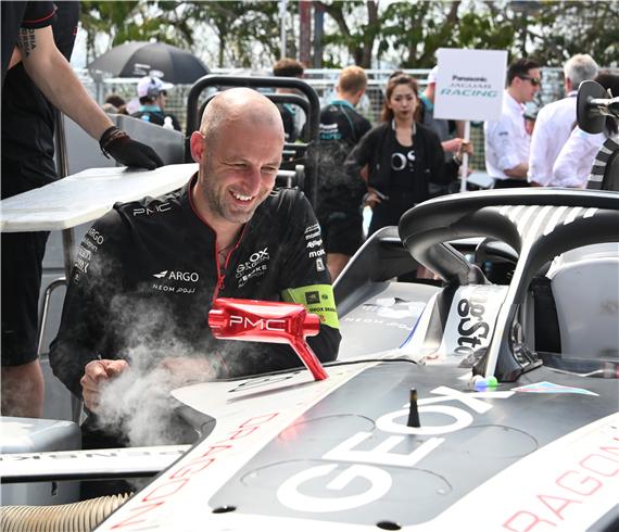 GEOX DRAGON出战国际汽联电动方程式锦标赛�C三亚站